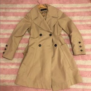 Zara Woman tapered trench coat with pleats, Size M
